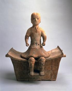 002椅子に座る男子形埴輪s.jpg